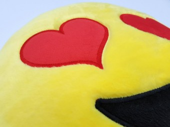 Hearts Love Pillow Heart-Eyes Smiley Messenger App Plush Toy