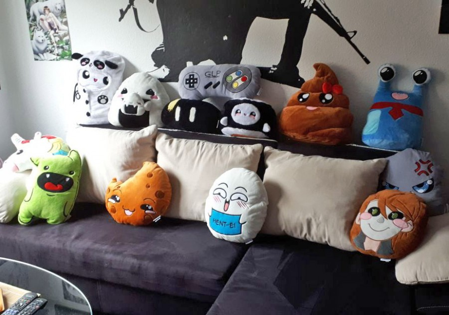 Smiley Pillows Emoticon Sofa