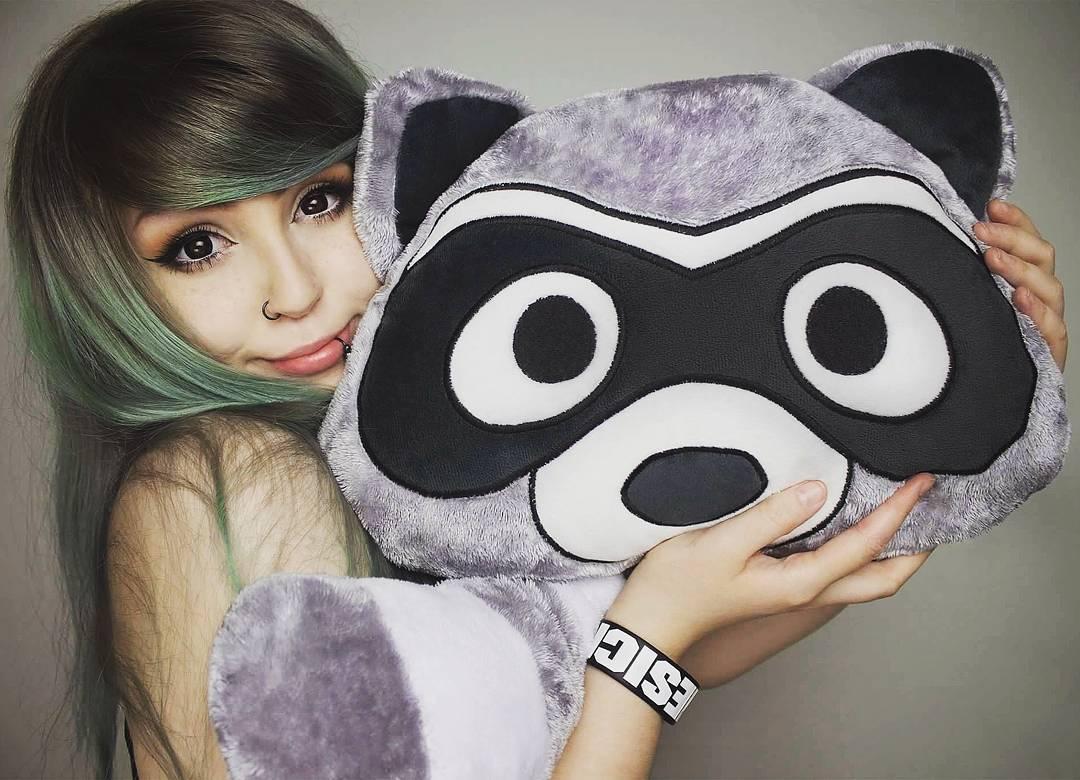 moodrush raccoon plush smiley pillow emoji shop. Black Bedroom Furniture Sets. Home Design Ideas