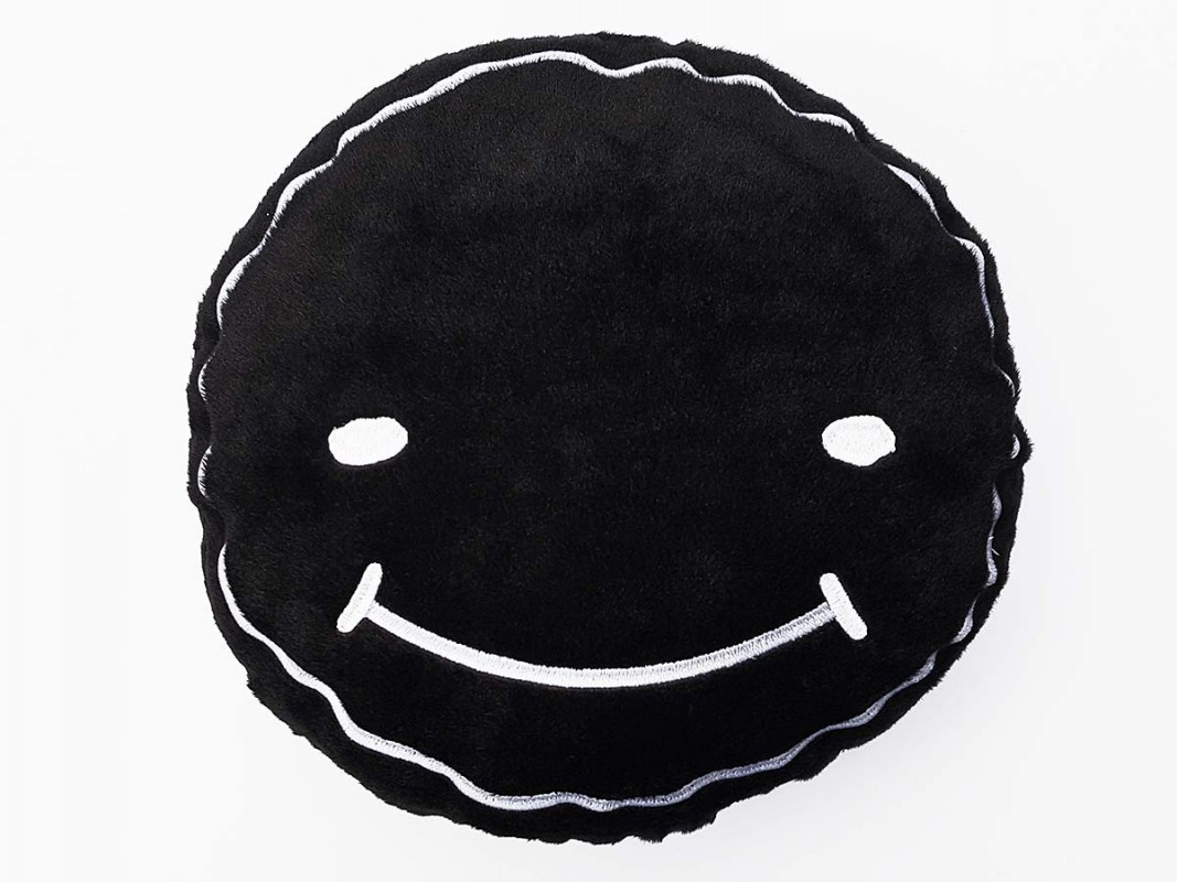 Luca Smiley Pillow Concrafter Shop